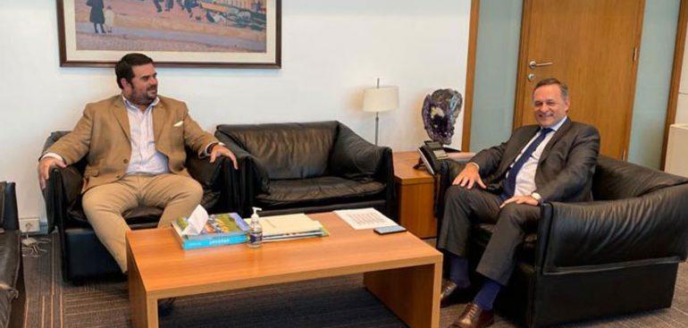 Aeropuerto de Paysandú integrará red nacional y recibirá 8,2 millones de dólares de inversión, confirmó Nicolás Olivera tras reunión con Lacalle Pou