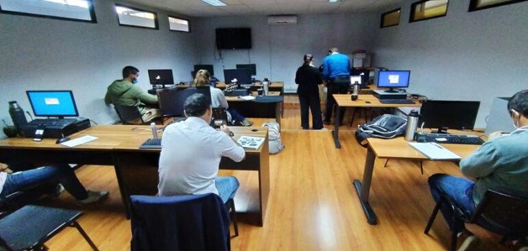 Funcionarios de la Dirección de Obras se capacitan en procedimientos de fabricación y uso de mezcla asfáltica